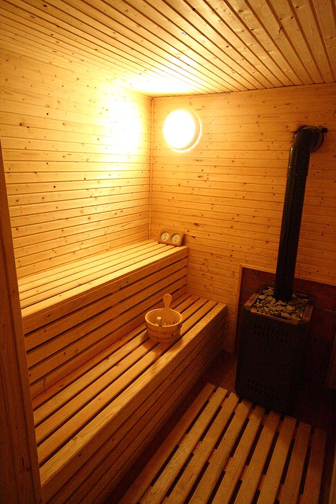 Sauna uscata finlandeza